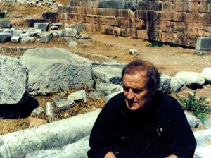 Tony Harrison, Delphi 2003, in search of Byron's inscribed initials - Image Credit: Jim Potts © 2018